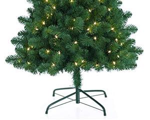 足元がむき出しのクリスマスツリー